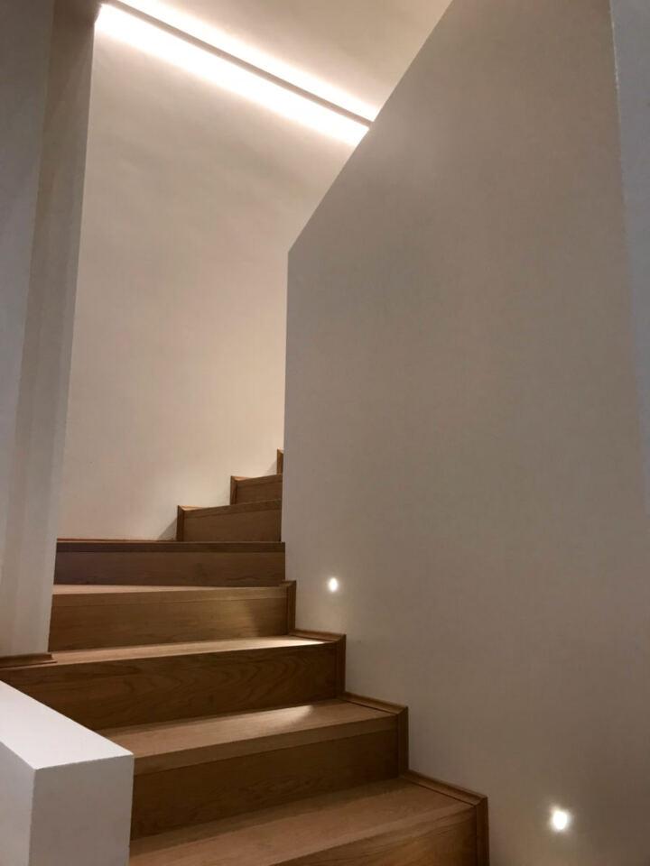 Segnapasso per scale in legno